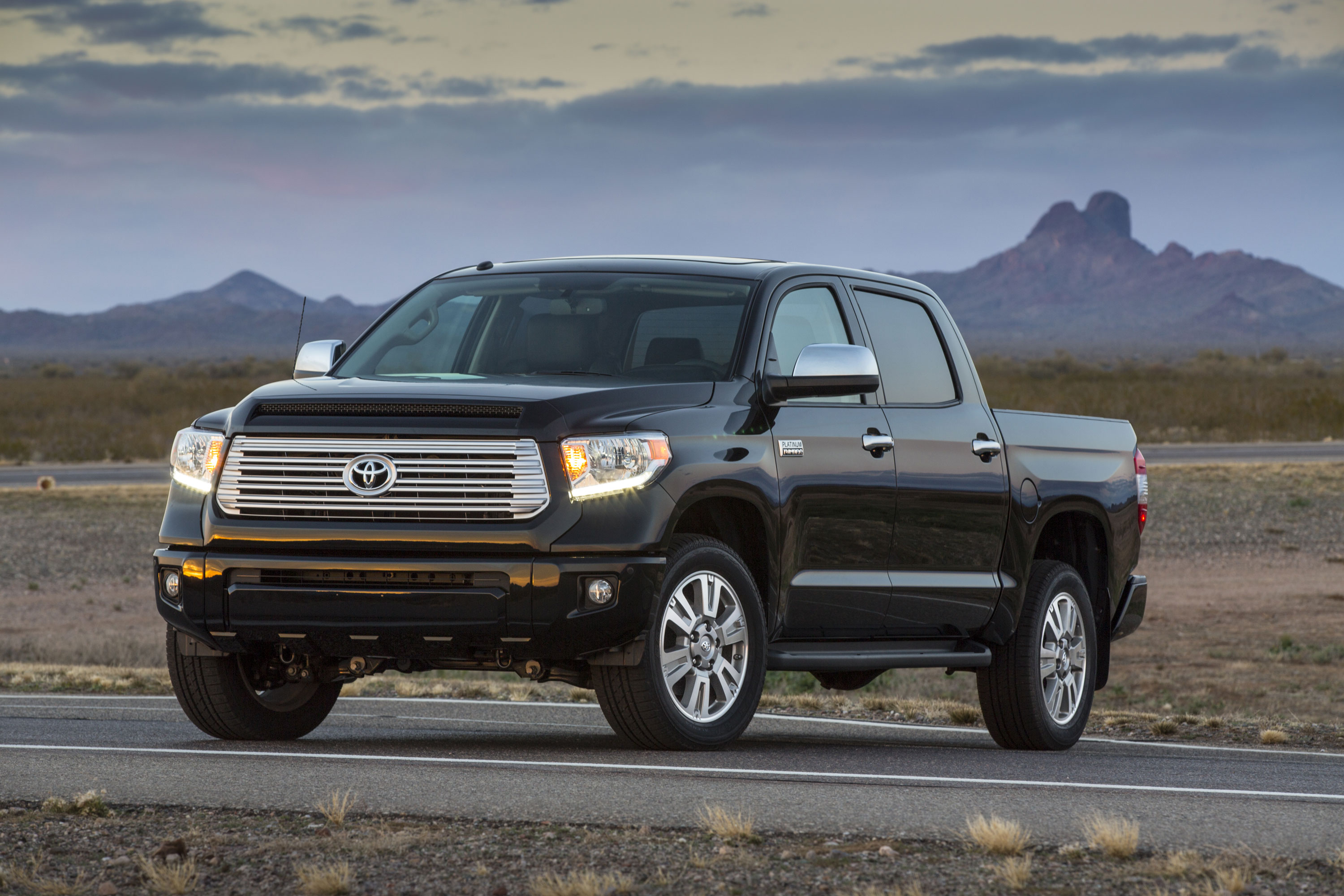 Toyota unveils 2014 Tundra in Chicago